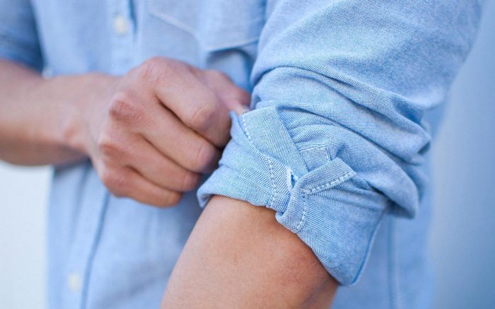 How_to_Roll_Up_Sleeves_01