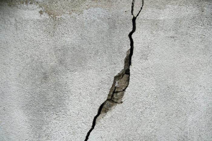 crack-695010_960_720.jpg